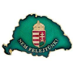 Nem Felejtünk transzparens zöld koronás címerrel