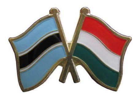 Pároszászló, Botswana - Magyar