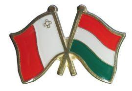 Pároszászló, Málta - Magyar